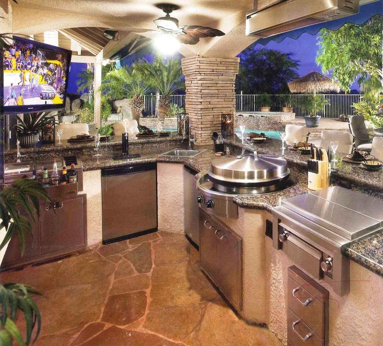 Outdoor kitchens for Luxury outdoor kitchen