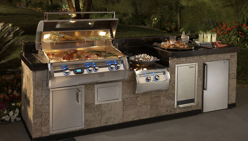 Firemagic Large outdoor kitchen island Lifestyle Outdoor Kitchens