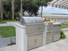 Custom outdoor kitchen island Lifestyle Outdoor Kitchens